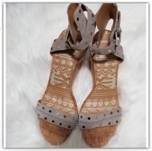 NWT Dolce vita Suede SIZE 8